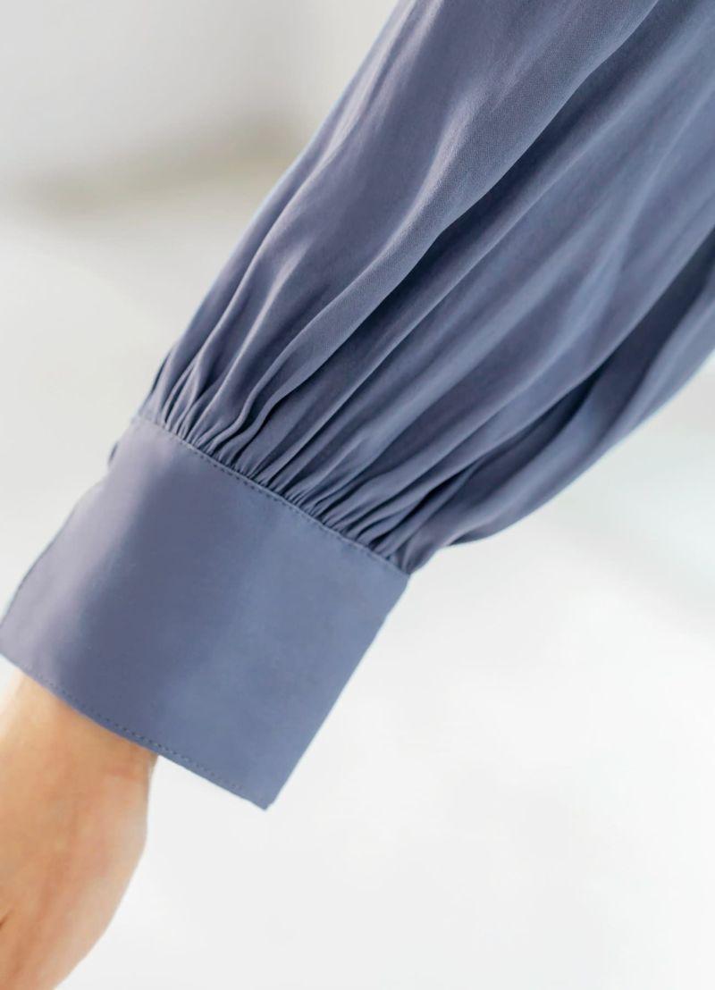 身長によりミモレ丈―ミディ丈になります。どの長さで着てもOKなデザイン