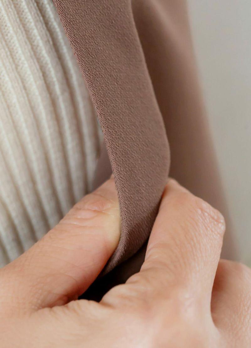 厚みは無くやや薄手ですが、ハリ感のおかげでしっかりとしています。
