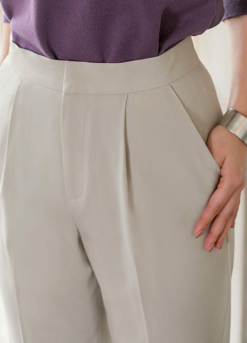 ヒップポケットをお使いになる際は、しつけ糸を取り外してご使用ください