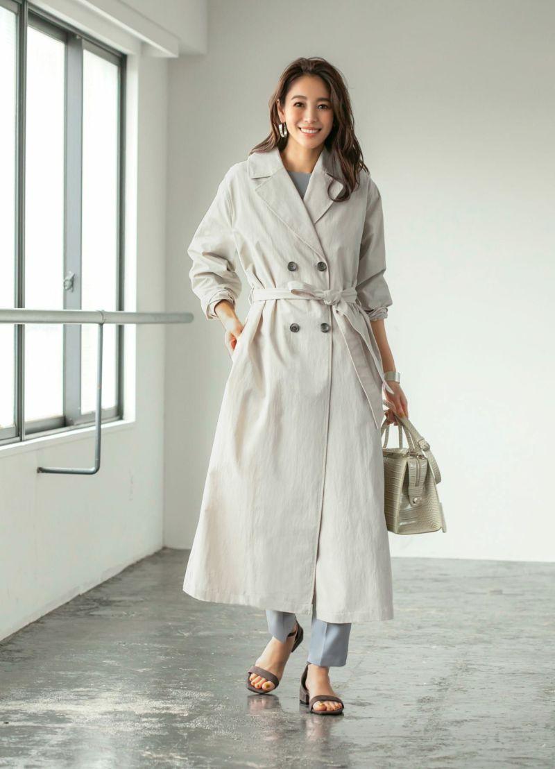 サラッと羽織れ、こなれ感のあるトレンチ風コート。