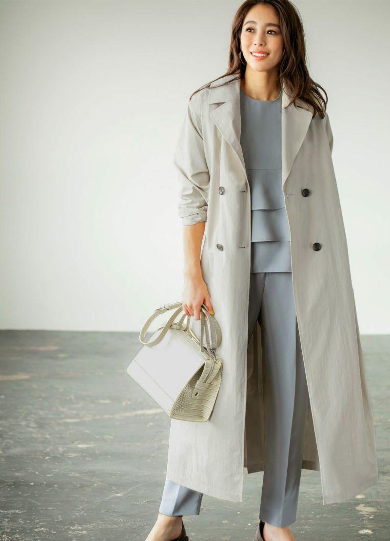 余計な装飾の無い、形と質感で雰囲気を出すオシャレなコート。