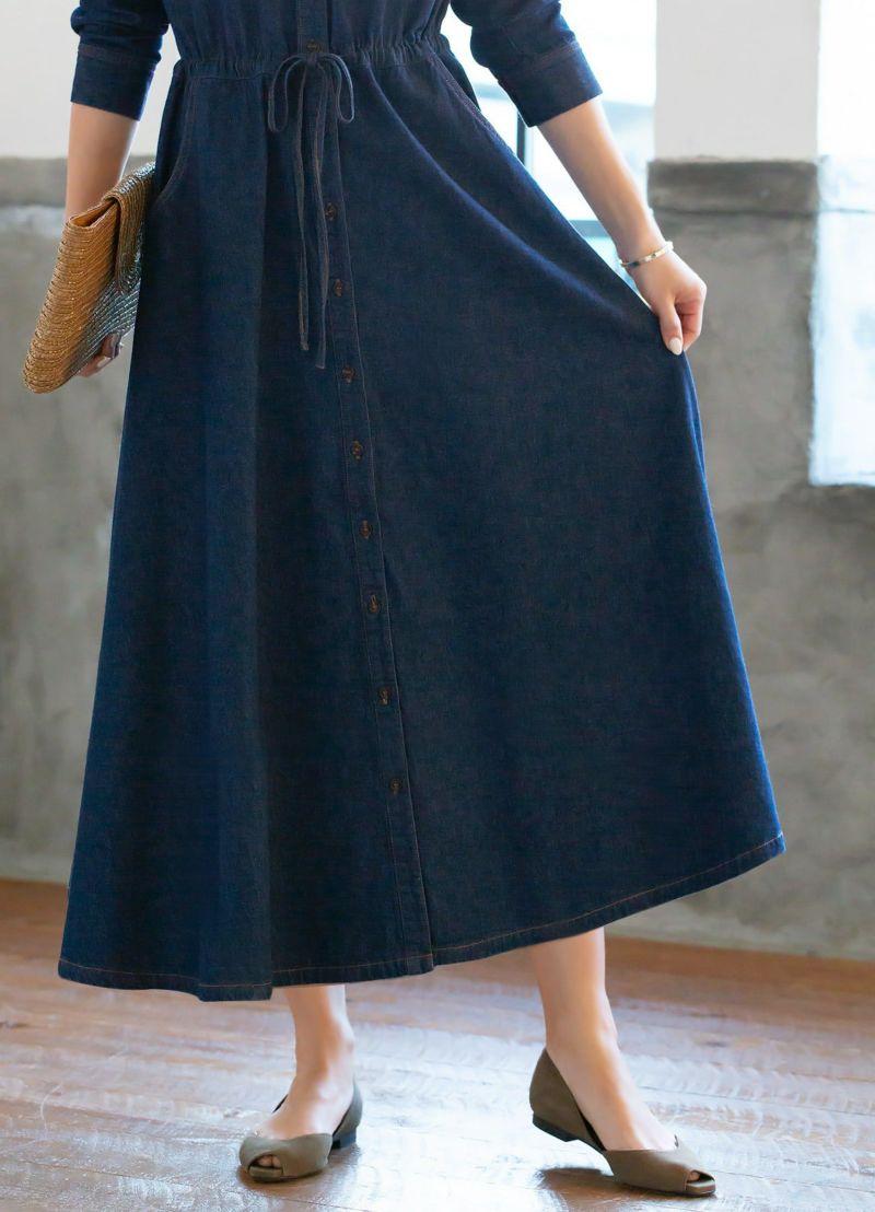 生地幅たっぷりのスカート。自転車もOKな動きやすいフレアスカートです。