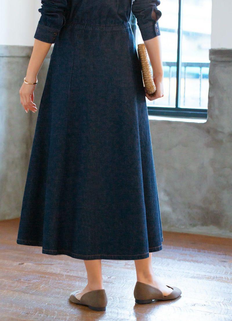スカートの形がキレイ!と評判。生地のハリ感が美しいラインを作ります。