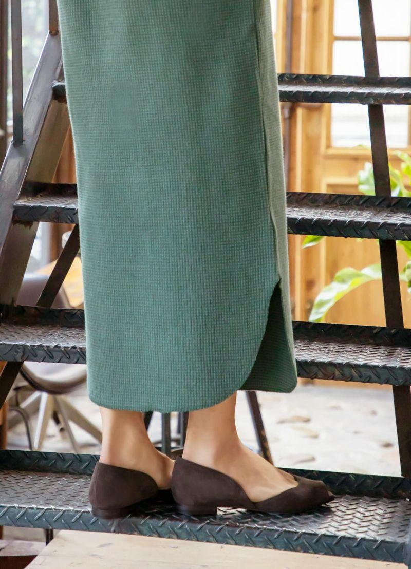 丸い形の裾にはヌケ感があり、人から見た時のオシャレさの印象もUPします