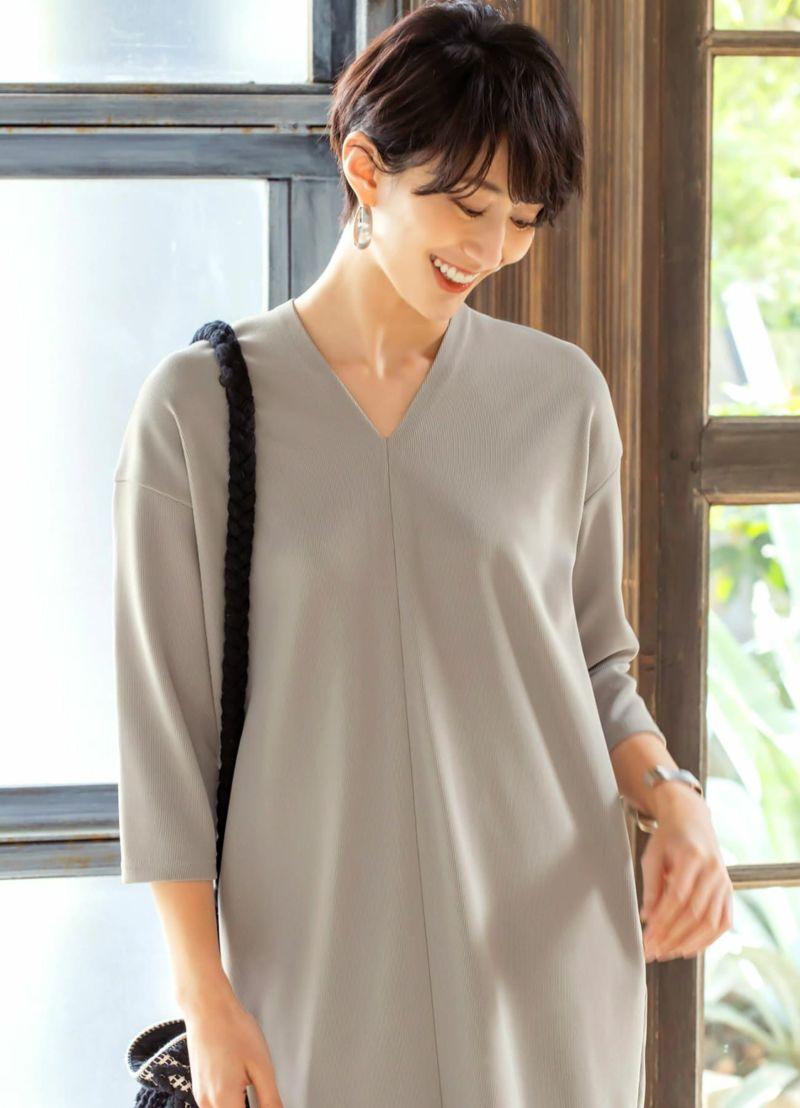 ロング丈は脚さばき向上の為、フロントに裾スリットがあるのが特徴です。