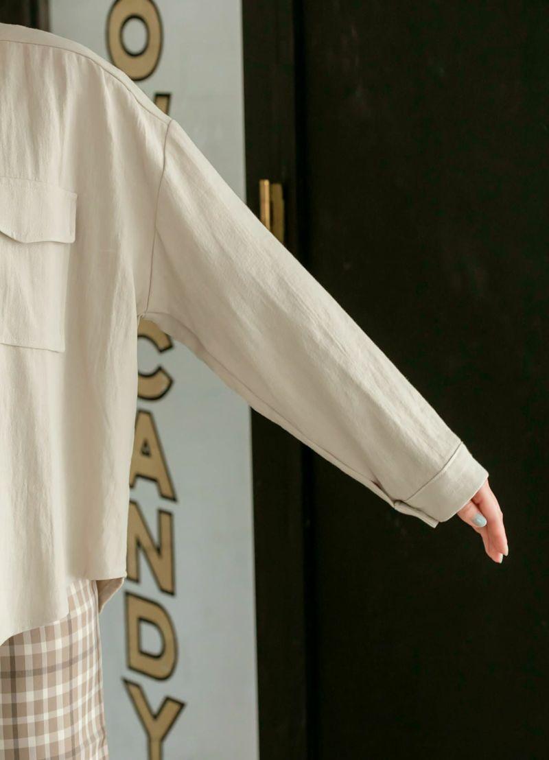 太めの袖幅。中に着るTシャツ等の袖幅が太くても、窮屈にならず安心です。