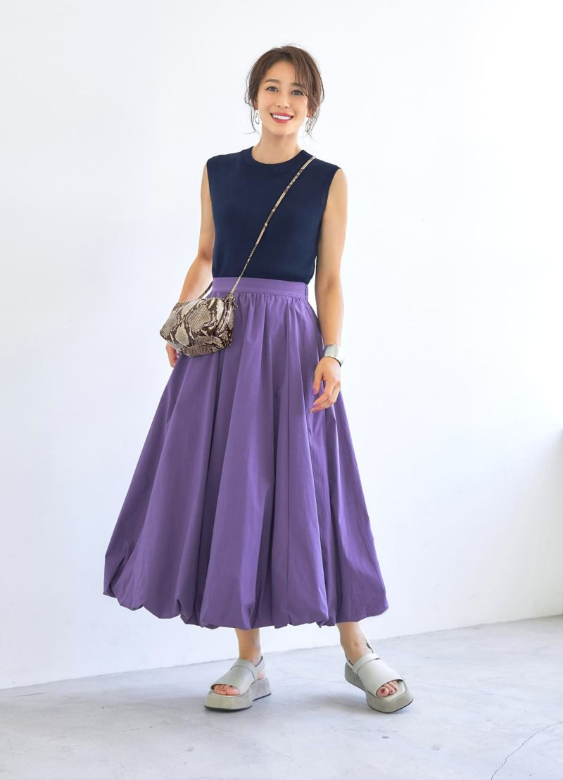 ハリ感生地のバルーンスカート